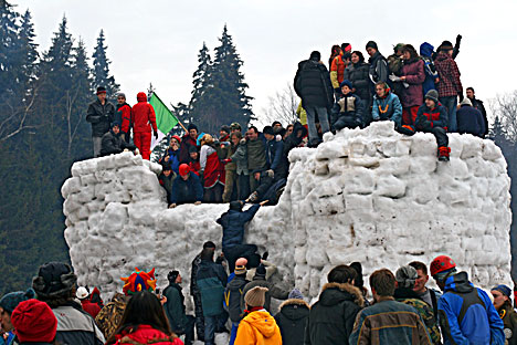 A Snow Fortness attack during the Maslenitsa festival
