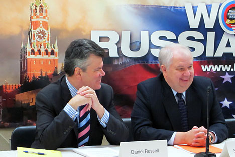 Russian Ambassador Sergei Kislyak (right) and Deputy Assistant Secretary of State Daniel Russell (left) at the World Russia Forum 2011 in Washington D.C. on March 29, 2011 (photo by Yuri Mamchur)