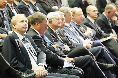 Robert Dudley (left), Group Chief Executive, Executive Member of the Board of Directors of BP Plc. attends the St. Petersburg International Economic Forum (SPIEF) on June 17, 2011 in St. Petersburg, Russia. (Photo by Alexander Aleshkin/Epsilon/Getty