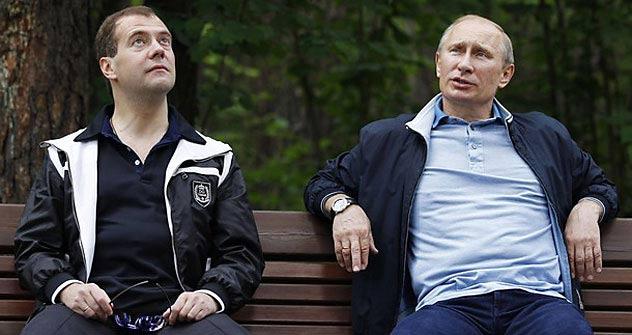 Vladímir Putin y Dmitri Medvédev. Foto de Itar-Tass