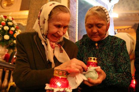 Beim nächtlichen Oster-Gottesdienst in der Kasaner Kathedrale. Foto: Itar-Tass