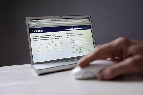 En Rusia, internet se difunde rápidamente, pero páginas como Facebook tienen dificultades para afirmarse al encontrar fuertes competidores locales. Foto de Itar-Tass