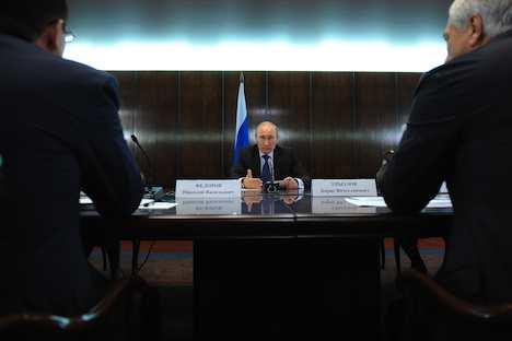 Russlands Regierungschef Wladimir Putin bei der ersten Sitzung des Koordinierungsrates des ANF. Foto: ITAR-TASS