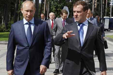 Russlands Regierungschef Wladimir Putin und Präsident Dmitri Medwedew. Foto: ITAR-TASS