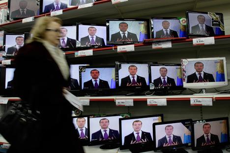 O desinteresse de grande parte da população pela política já começa a se refletir nos índices de aprovação dos dirigentes/Foto:AP