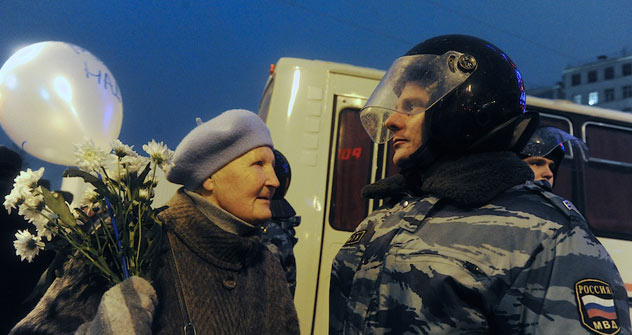 La manifestación en la plaza Bolótnaya transcurre sin incidentes. Foto de http://www.ridus.ru/news/14307/