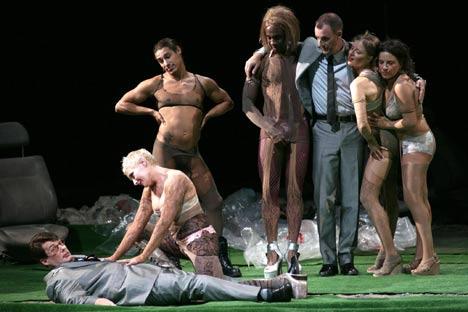 """""""Ascenso y caída de la ciudad de Mahagonny"""", producción del Teatro Real. © Javier del Real"""