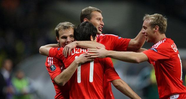Rusia se clasifica por primera vez en una década de forma directa y como líder de grupo para un gran torneo de selecciones, la Eurocopa de 2012. Foto de www.rfs.ru