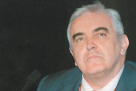 Rafael Guzmán, catedrático del Departamento de Filología Griega y Eslava de la UGR. Foto de las fuentes públicas