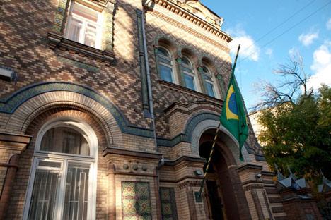 Fachada da Embaixada do Brasil em Moscou/ Foto: Marina Korobkova_Focuspictures