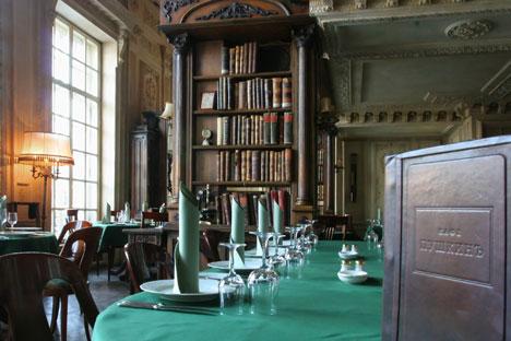 """""""Librería"""" del restaurante Pushkin. Foto de Itar-Tass"""