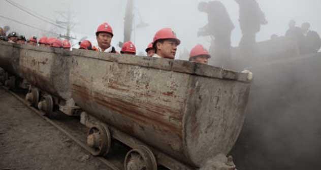 Chinesische Minenarbeiter bei der Eröffnung eines russisch-chinesischen Bergwerks bei Chabarowsk. Foto: Reuters/Vostock-Photo