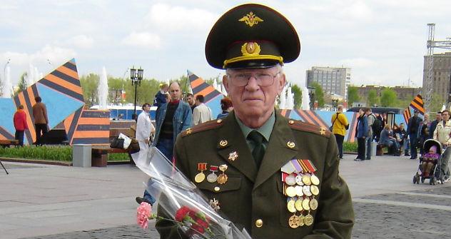 Der 9. Mai: Michail Zwilling am Poklonnaja-Berg in Moskau. Foto: aus dem persönlichen Archiv
