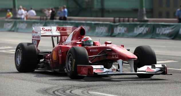 Formel 1 am Roten Platz. Foto: Sergei Savostianov
