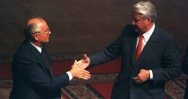 Reformer, Befreier, Zerstörer? Die Russen sind 20 Jahre nach Ende der Sowjetunion geteilter Meinung.Foto: Reuters/Vostock-Photo