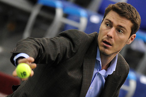 It is not uncommon for Russian athletes to be engaged in politics after their sport career. Marat Safin, a former tennis prodigy, is running for the Duma on the ticket of the United Russia party in the Nizhny Novgorod Region. Source: ITAR-TASS