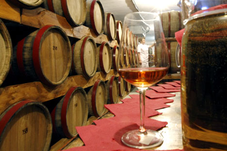 Altai is working to educate its own winegrowers to produce high-quality wine. Source: ITAR-TASS