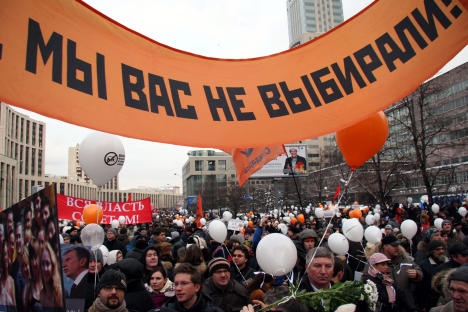 Protesters express their collective indignation against vote fraud during the 2011 parliamentary elections. Source: Russia beyond the Headlines / Tatyana Shramchenko