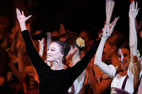 Maya Plisetskaya celebrated her 80th birthday on stage in Moscow. Photo: AFP