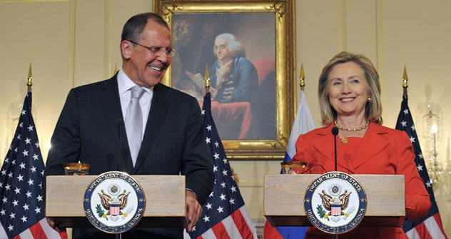 Russian Foreign Minister Sergei Lavrov and US Secretary of State Hillary Clinton speak to reporters on July 13 at the State Department in Washington, DC. Photo: AFP