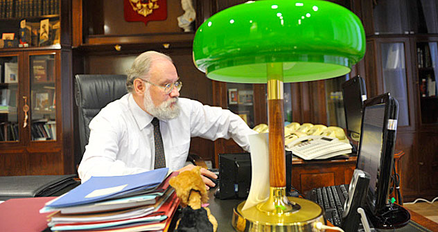 Vladimir Churov at his office. Source: RIA Novosti