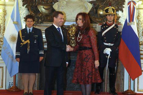 El presidente de Rusia Dmitri Medvédev y el presidente de Argentina Cristina Fernández de KirshnerFoto del archivo de la Embajada de Rusia en la Argentina