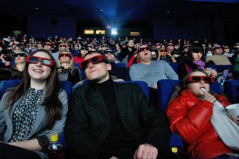 El 3d cine tiene muchos adictos, pero sigue siendo el objeto de la crítica. Foto de Kommersant