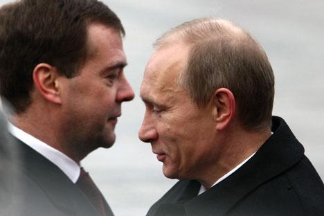 Dmítri Medvedev e Vladímir Pútin/Foto:Kommersant