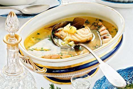 Una sopa caliente ujá. Foto de FOTOIMEDIA