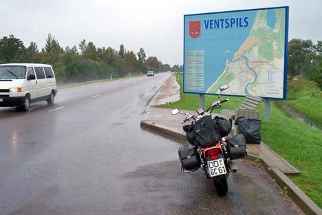 Nass, nass, nass - kurz vor dem Ende der Regenfahrt nacht Ventspils. Foto: Privat