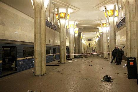 Oktiábrskaia estación después del atentado. Foto de Reuters/Vostock Photo