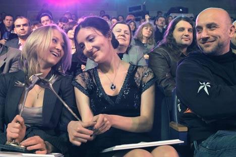 Polina Kliúkina y Alisa Ganíeva. Premio Debut, 2009. Foto de Ria NovostiFoto de