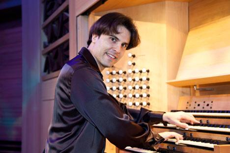 El organista español Raúl Prieto Ramírez. Fotos de los archievos personales