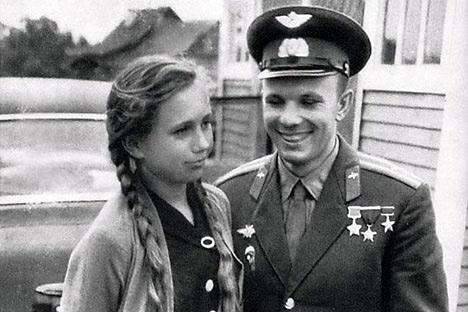 Tamara Filátova y Yuri Gagarin. Foto de archivos personales