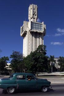"""La embajada rusa en Cuba. En casi todos los países la embajada rusa suele ser conocida como """"el búnker"""". Foto de Reuters/Vostock Photo"""