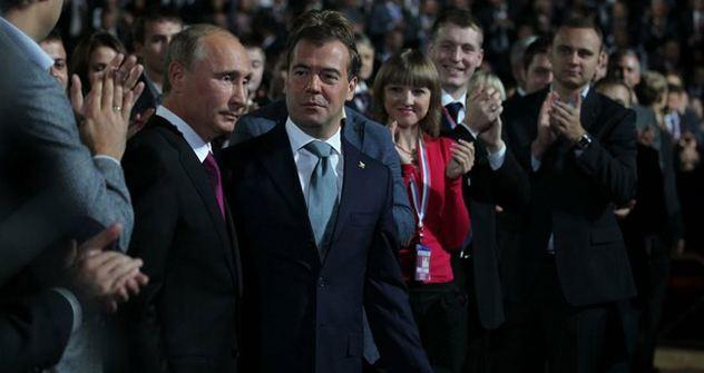 """Putin und Medwedjew beim Parteitag von """"Einiges Russland"""". Foto: kremlin.ru"""