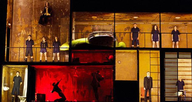 Rock'n'Roll und extravagante Bühne: das Stück bietet Entertainment pur. Foto: Evgenija Ljuljukina