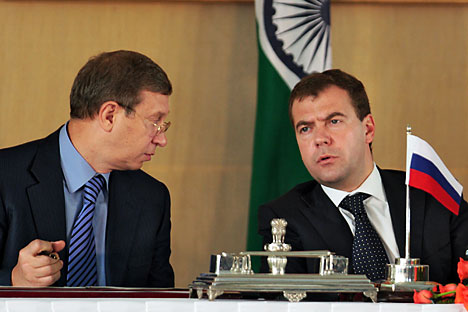 India is a country with a serious growth potential and a huge desire to develop. V.Evtushenkov, the majority owner of AFK Sistema (left) agrees fully. Source: Kommersant