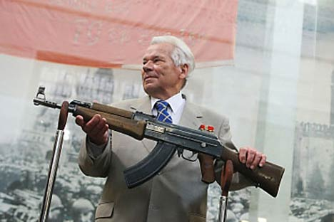 Mikhail Kalashnikov with his famous gun. Source: RIA Novosti
