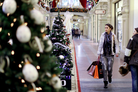 According to recent polls, Russians spend much more money to celebrate winter holidays regardless of the financial crisis. Source: Getty Images / Fotobank
