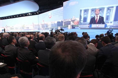 Medvédev presentó en San Petersburgo las líneas generales para el desarrollo de Rusia. Foto de Itar-Tass