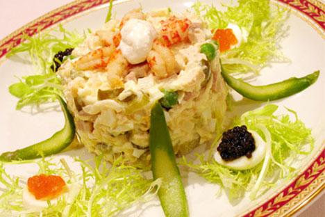 Bis heute gilt der Oliviersalat in Russland als der beliebteste Salat unter den russischen Spezialitäten. Foto: PhotoXPress