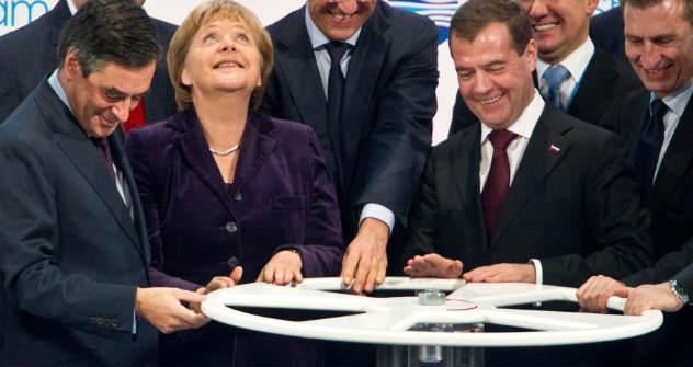 """Eröffnungs-Zeremonie der Unterwasser-Pipeline """"Nord Stream"""". Foto: dpa/Vostok Photo"""