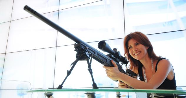 Anna Chapman at the stand of Orsis rifles at the 10th Sochi Investment Forum. Source: RIA Novosti