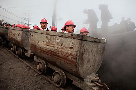中国の鉱員=Reuters/Vostock-Photo撮影
