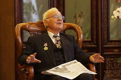 フセヴォロド・オフチンニコフ氏=「ロシースカヤ・ガゼータ」紙撮影
