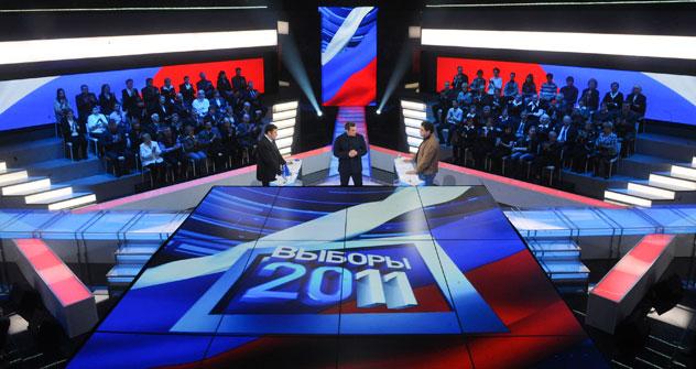 国営テレビ局「ロシア」が選挙に関するテレビ討論会を催したタス通信撮影