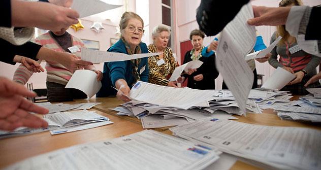政治学者らにとっても選挙当事者にとっても予想外のものになった=ロシア通信撮影