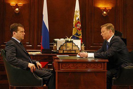 Russischer Präsident Dmitri Medwedjew und Chef der Präsidentenverwaltung Sergej Iwanow. Foto: kremlin.ru