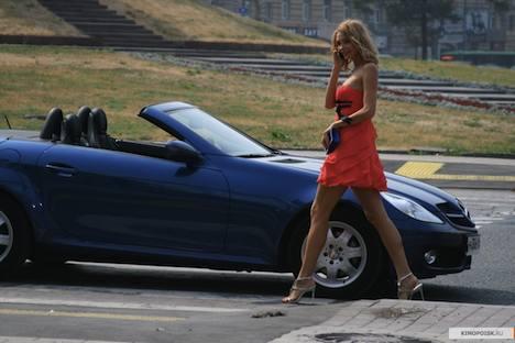 Luxusautos sind ein Muss für das Oligarchen-Leben. Foto: Kinopoisk